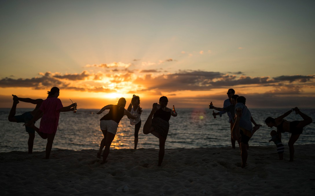 namotu island beer yoga sasha hutchinson kite week