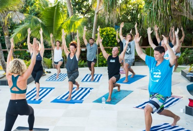 sasha hutchinson namotu island yoga instructor
