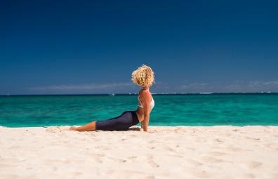 yoga namotu island fiji instructor sasha hutchinson